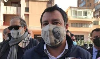 """Salvini indossa una mascherina con la foto di Borsellino. Il fratello del giudice: """"Sciacallo"""""""