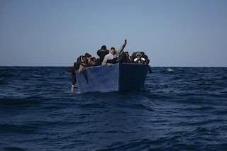 Migranti, 180 in salvo a Lampedusa: tra loro una bambina nata sul gommone