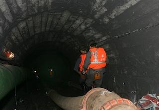 Cina, minatori bloccati in miniera da 12 giorni: necessarie almeno altre 2 settimane per salvarli