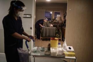 """In Svezia record di morti: 351 nelle ultime 24 ore. Il governo avverte: """"Le vittime aumenteranno"""""""