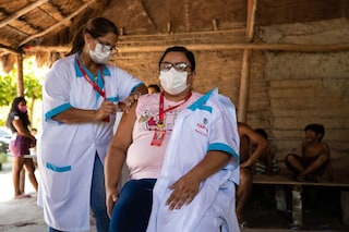 Vaccini nei paesi poveri, si muove il G7: Biden annuncia contributo di 4 miliardi a Covac