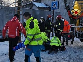 Siena, si apre una voragine in strada: uomo precipita per sette metri