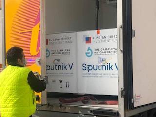 Covid, arrivate a San Marino le prime 7.500 dosi di Sputnik V dalla Russia