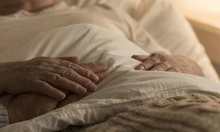 A 91 anni, invalida, è ancora senza vaccino Covid-19. Accade in provincia di Caltanissetta