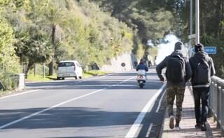 """Al confine Italia Francia non si fermano i respingimenti: """"A Ventimiglia lo Stato non c'è"""""""