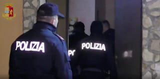 Torino, 25enne ucciso nel suo appartamento: l'allarme lanciato dal coinquilino