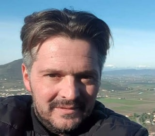 """Padova, Omar si uccide: era un imprenditore dello spettacolo. Il fratello: """"Non aveva lavoro"""""""
