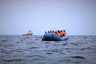 Migranti, il governo pensa a come far rispettare la quarantena e a come ricollocarli in Ue