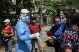 Cuba, boom di contagi: a causa dell'embargo mancano ossigeno, ventilatori polmonari e farmaci