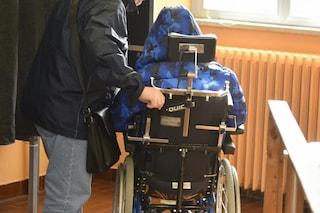 """Massa, 91enne cede il suo vaccino alla madre di un ragazzo disabile: """"Prenda il mio posto"""""""