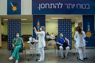 Israele, nuove restrizioni covid dopo boom di casi di variante delta: quarantena anche per vaccinati