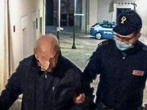 Anziano disorientato vaga nella notte, agenti trovano l'abitazione e lo riportano a casa a Matera
