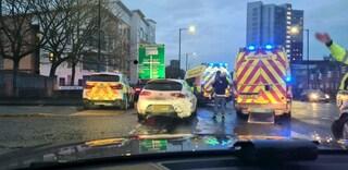 Due 15enni rubano l'auto con due bimbi dentro e fuggono a folle velocità contromano in superstrada