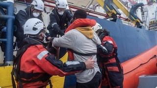 Sea Watch salva 45 migranti, al largo della Libia ci sono altre 150 persone in pericolo