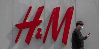 """""""No al cotone dallo Xinjiang: è contro i diritti umani"""". La Cina boicotta H&M"""