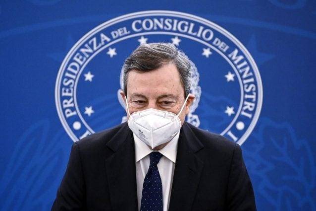 Mario Draghi presenta le nuove misure anti Covid in conferenza stampa