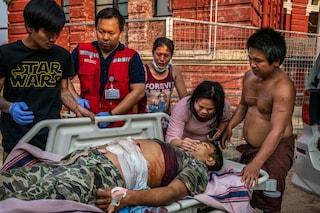 Myanmar, la Giornata delle forze armate è una carneficina: esercito uccide 90 persone, anche bambini