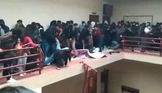 Dramma all'Università in Bolivia, crolla la ringhiera e gli studenti precipitano nel vuoto: 7 morti