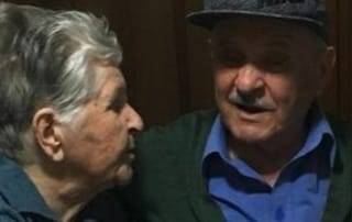 Marito muore di covid dopo 60 anni di nozze, lei si rifiuta di mangiare e si lascia morire