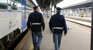 """""""Non metto la mascherina, devo bere"""". In treno da Terni a Foligno minaccia il capotreno"""