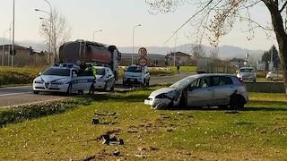 Modena, auto esce di strada, travolge e uccide un pedone di 51 anni
