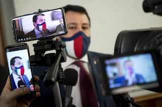 """Migranti, Salvini difende la Guardia costiera libica: """"Ha salvato migliaia di vite"""""""