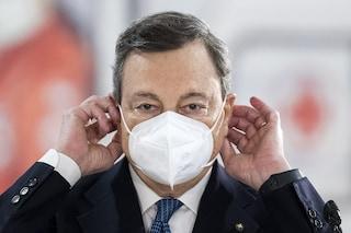 Draghi bacchetta gli psicologi 35enni, ma l'obbligo vaccinale per la categoria l'ha introdotto lui