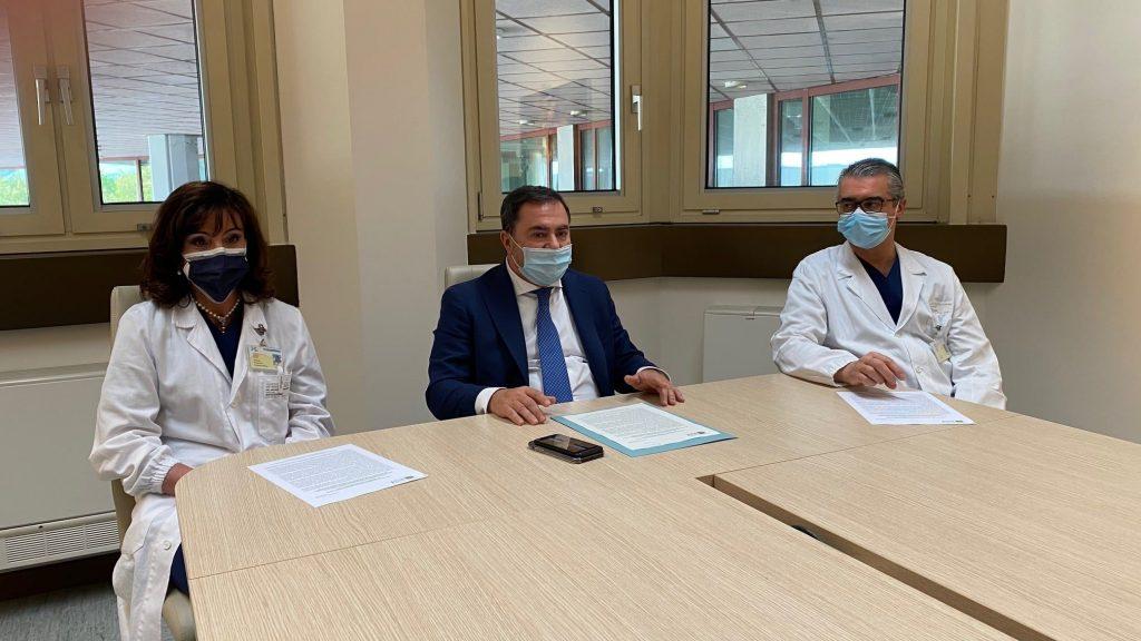 Il team di medici che ha operato Alice (foto Azienda Ulss 7 Pedemontana)