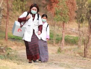 L'impresa del Bhutan, 470mila vaccinazioni covid in 9 giorni con solo 37 medici