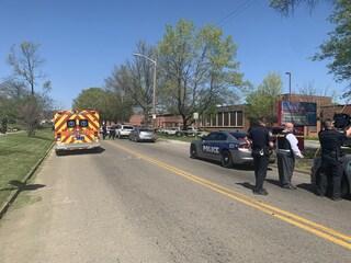 Tennessee, sparatoria in un liceo di Knoxville: studenti e agenti fra i feriti