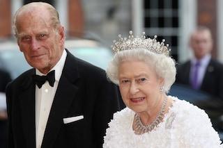 La regina Elisabetta piange Filippo di Edimburgo, l'amato consorte per 73 anni al suo fianco