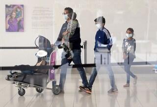 Covid, atterra oggi in Italia volo dall'India: 211 passeggeri andranno in 2 strutture per controlli