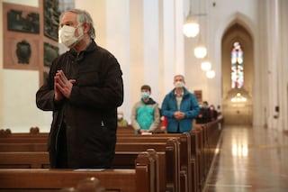 """Allarme focolaio Covid in chiesa, il sindaco: """"Chi è era a messa domenica delle Palme chiami Ausl"""""""