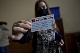 Perché in Cile i contagi sono in aumento nonostante l'alto numero di vaccini somministrati