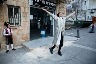 Israele torna (quasi) alla normalità: da domenica non ci sarà più obbligo di mascherina all'aperto