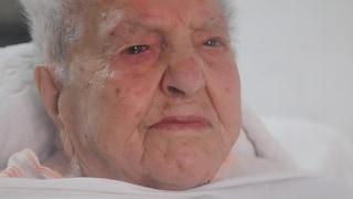 """Nonna Marietta batte tutti, compie 112 anni e diventa la nonnina più anziana d'Italia: """"Grazie"""""""
