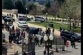 Usa, auto sfonda barriere e travolge agenti al Campidoglio: poliziotto ucciso, morto l'aggressore
