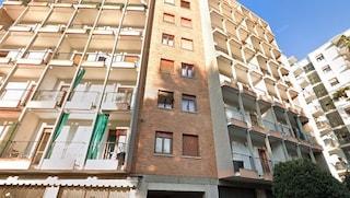 Dramma a Trieste, in casa scoperti i cadaveri di padre e figlio: morti da settimane