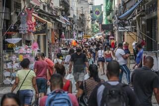 In Brasile record di morti Covid ma Bolsonaro si ostina a non volere il lockdown
