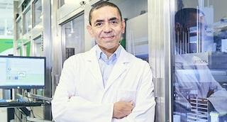 """Il fondatore di Biontech è sicuro: """"Il nostro vaccino efficace contro la variante indiana"""""""