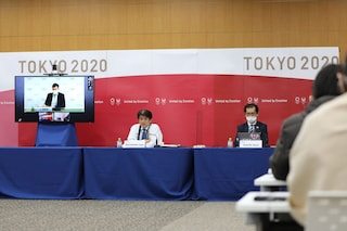 Il Giappone pensa di vaccinare gli atleti olimpici prima di anziani e fragili
