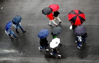 Previsioni meteo oggi 8 ottobre, ciclone al Sud e maltempo con pioggia e calo temperature