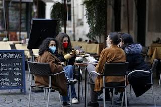"""Riapertura dei ristoranti, Crisanti lancia l'allarme: """"Un solo caso può infettare decine di persone"""""""