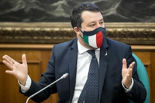 Salvini a processo ci vada a nome suo: e la smetta di dire che ha difeso i confini dell'Italia
