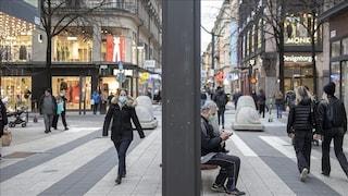 """Nella Svezia del """"tutto aperto"""" i contagi stanno crescendo più che altrove in Europa"""