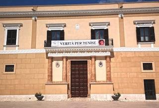 """""""Verità per Denise"""" striscione sul palazzo vescovile: """"Basta omissioni e omertà"""""""