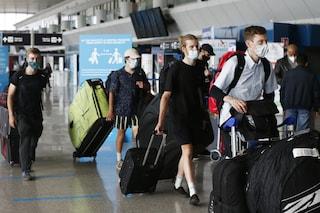 Come sarà l'estate 2021 con il Covid: mascherine obbligatorie e viaggi soprattutto in Italia