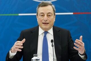 """Draghi: """"Da metà maggio anche i turisti potranno usare nostro Green Pass per muoversi tra Regioni"""""""