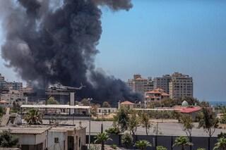 """Strage in un villaggio a Gaza, fonti arabe: """"Morta donna incinta, i 4 figli e il marito in un raid di Israele"""""""