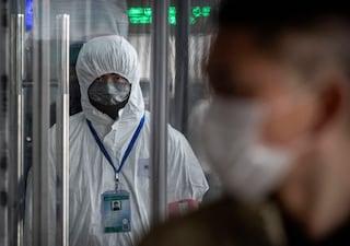 """""""A Wuhan 3 virologi malati a novembre 2019"""": il report dell'Intelligence Usa sull'origine del Covid"""